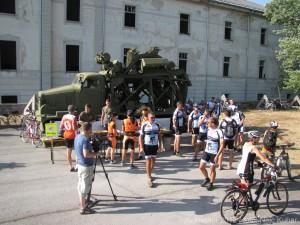 Rekreatur 2012: Kolesarski  napad na muzej vojaške zgodovine v Pivki