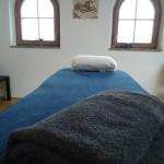 Soba z masažno posteljo