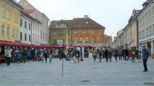 Glavni trg osvojen, na vrsti so Rovi pod starim Kranjem!
